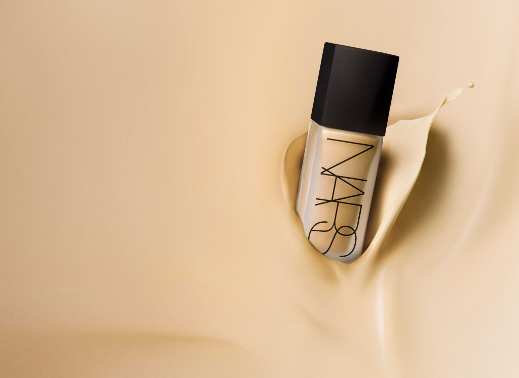 NARS-All-Day-Luminous-Weightless-Foundation-Stylized-Gradient-Image---ASIA---jpeg